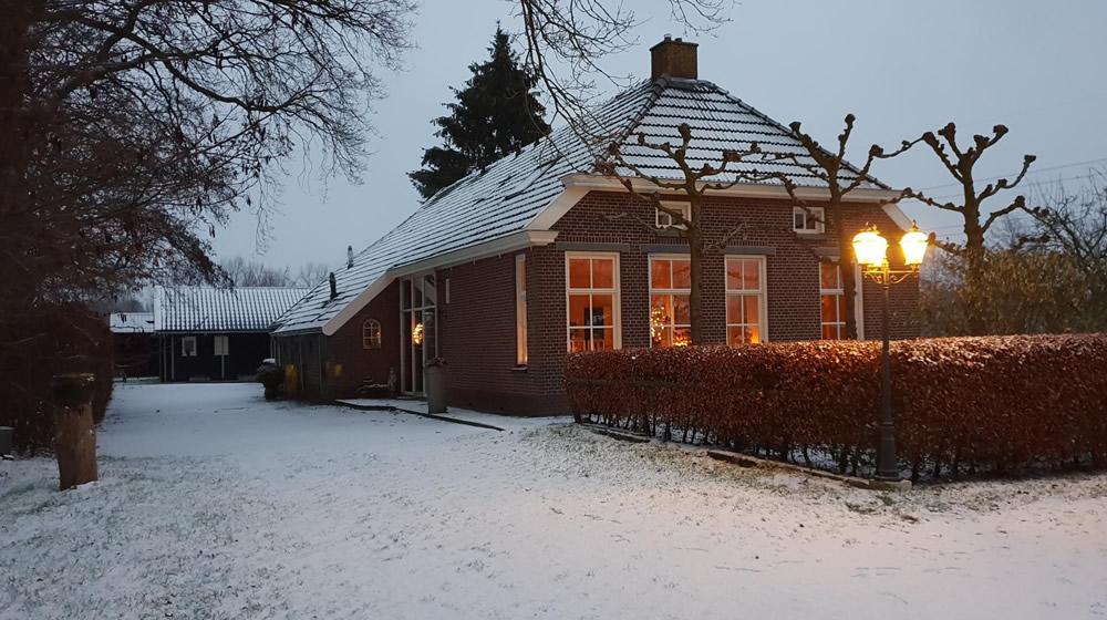 huis-sneeuw